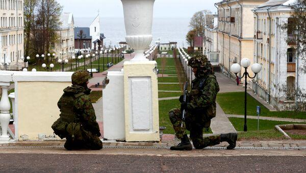 Estonski vojnici na NATO vojnim vežbama u blizini ruske granice. - Sputnik Srbija