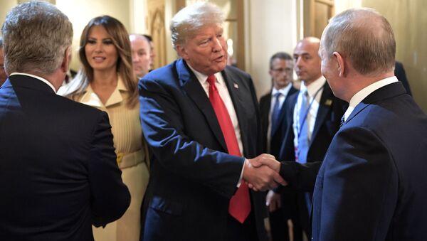 Встреча президента РФ Владимира Путина и президента США Дональда Трампа в Хельсинки - Sputnik Србија