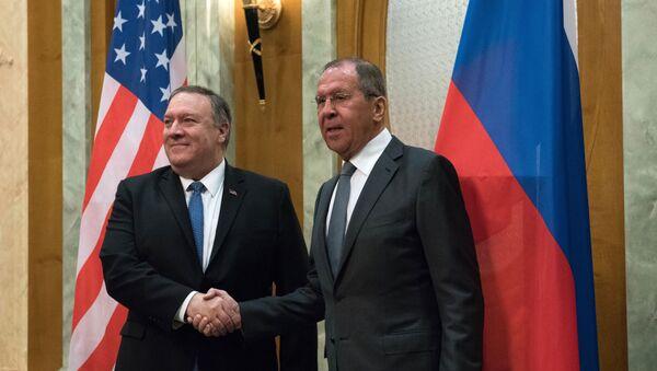 Министар спољних послова Русије Сергеј Лавров и амерички државни секретар Мајкл Помпео у Сочију - Sputnik Србија