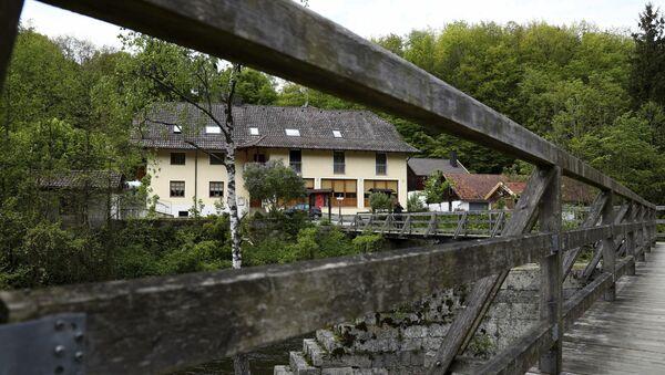 Hotel u blizini grada Pasau u kojoj su pronađena tela tri osobe ubijene samostrelom - Sputnik Srbija