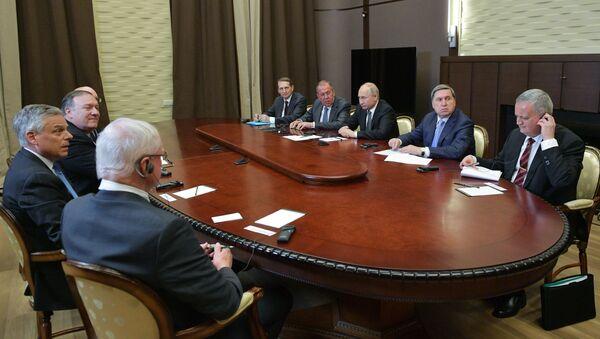 Састанак у Сочију руског председника Владимира Путина и америчког државног секретара Мајка Помпеа - Sputnik Србија