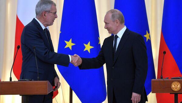 Predsednik Rusije Vladimir Putin i predsednik Austrije Aleksander van der Belen - Sputnik Srbija