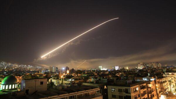 Protivvazdušna odbrana Sirije tokom vazdušnog napada na Damask - Sputnik Srbija