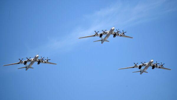 Strateški bombarderi-raketonosci Tu-95MS na vojnoj paradi za Dan pobede - Sputnik Srbija