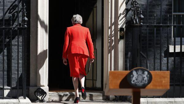Britanska premijerka Tereza Mej nakon podnošenja ostavke - Sputnik Srbija