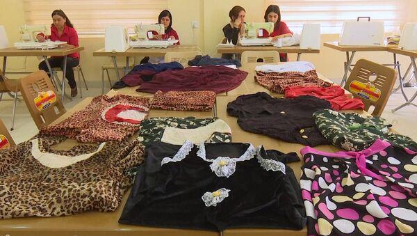 Жене из народа Језида, преживеле геноцид ДАЕШ-а, у Ираку се спремају за нови живот - Sputnik Србија