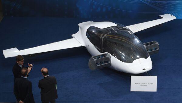 Lilium, nemački leteći taksi budućnosti - Sputnik Srbija