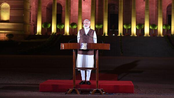 Indijski premijer Narendra Modi ispred Predsedničke palate u Nju Delhiju - Sputnik Srbija