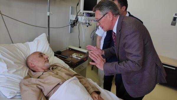 Амбасадор Александар Чепурин посетио је на ВМА Михаила Красношчекова - Sputnik Србија