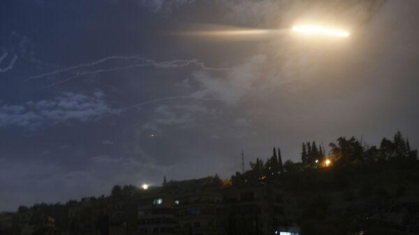 Izraelsko raketiranje Sirije - Sputnik Srbija