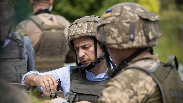 Председник Украјине Владимир Зеленски на положајима Оружаних снага Украјине у Луганској области - Sputnik Србија