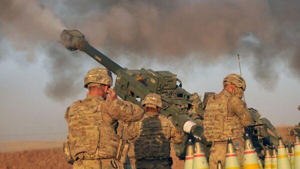 Припадници америчке батерије Ц, 1. батаљона 320. артиљеријског пука Оружаних снага САД у мисији на северу Ирака - Sputnik Србија