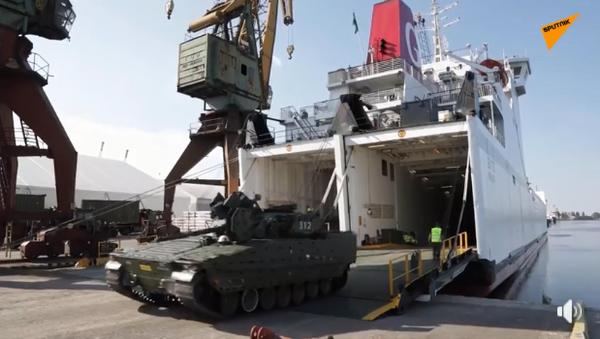 Пољска: Возила норвешке војске стижу у Шћећин на војне вежбе НАТО-а - Sputnik Србија