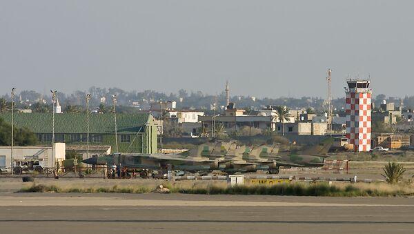 Авиони МиГ-23 и авион Су-22 на аеродрому Митига у Либији 2009. - Sputnik Србија