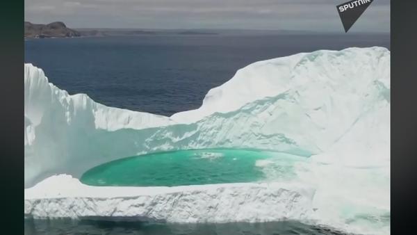 Ledeni bazen u Atlantskom okeanu  - Sputnik Srbija