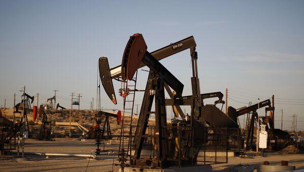 Crpne pumpe na naftnom polju u Kaliforniji - Sputnik Srbija