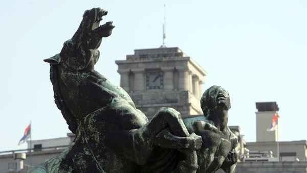 Београд, део скулптуре Играли се коњи врани испред Народне скупштине - Sputnik Србија