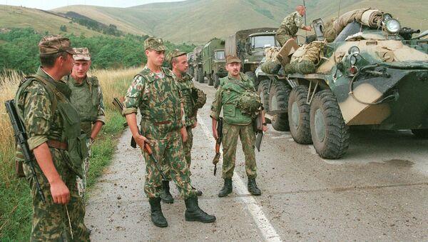 Руски војници на аеродрому Слатина у Приштини - Sputnik Србија