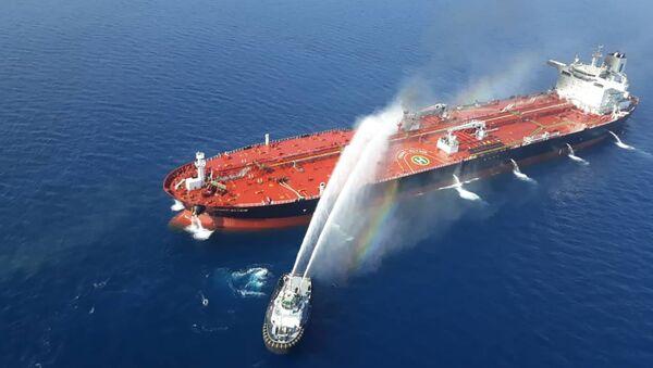 Iranski brod pokušava da lokalizuje požar na norveškom tankeru u Omanskom zalivu - Sputnik Srbija