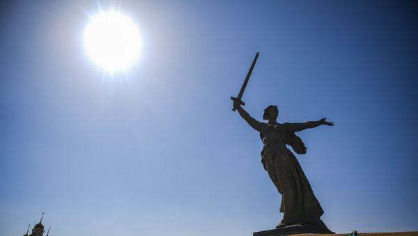 Споменик Мајка-отаџбина зове!  - Sputnik Србија