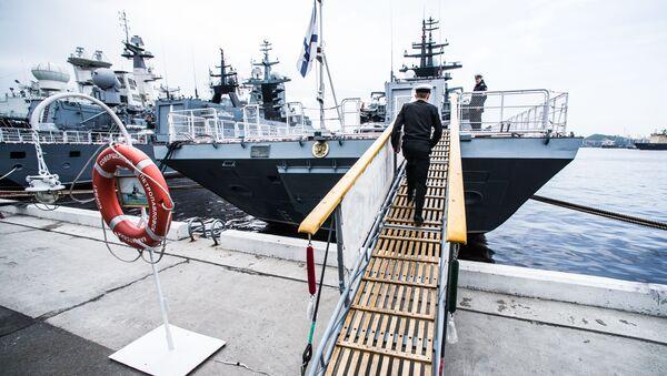 Korvet Tihookeanskogo flota Soveršennый u pričala Vladivostoka - Sputnik Srbija