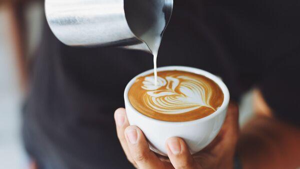 Zaposleni naročito reaguju zbog poskupljenja kafe - Sputnik Srbija