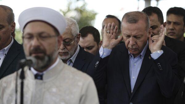 Molitva za Mursija u džamiji u Istanbulu - Sputnik Srbija