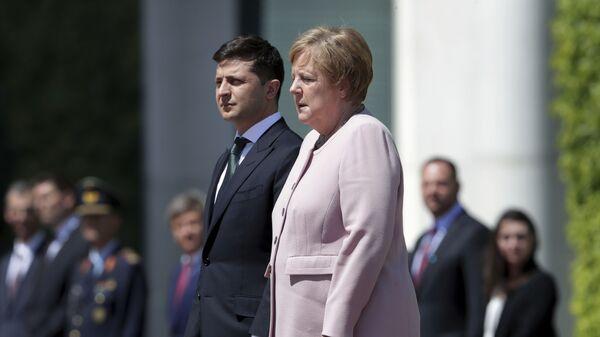 Ангела Меркел и Владимир Зеленски - Sputnik Србија