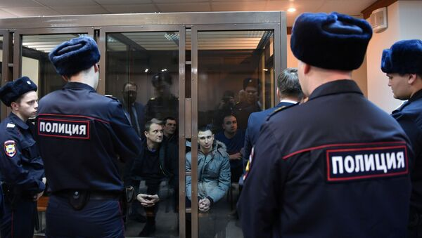 Uhapšeni ukrajinski mornari tokom sudskog procesa - Sputnik Srbija