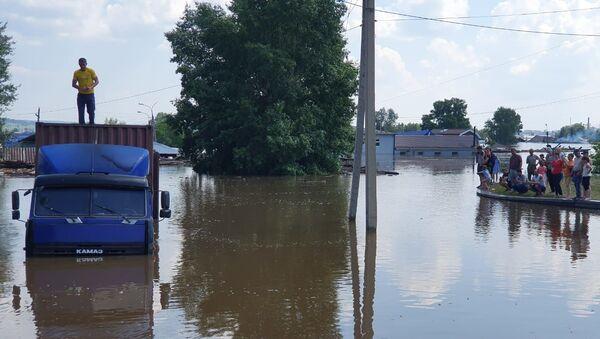 Поплаве у Иркутској области у Русији - Sputnik Србија