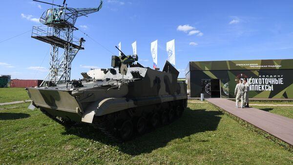 Оклопни транспортер БТ-3Ф   - Sputnik Србија