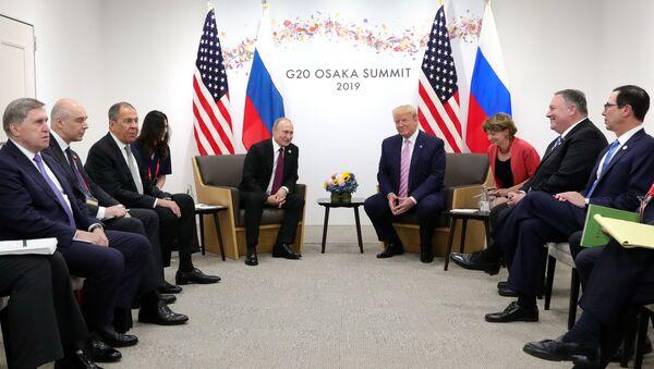 Sastanak predsednika Rusije i SAD, Vladimira Putina i Donalda Trampa, u Osaki - Sputnik Srbija