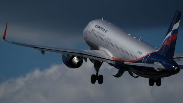 Авион Ејрбас А320 компаније Аерофлот полеће са аеродрома Шереметјево у Москви - Sputnik Србија