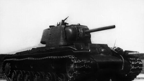 Тешки совјетски тенк КВ-1 за време Другог светског рата - Sputnik Србија