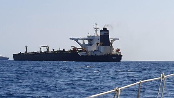 Танкер Грејс 1 који преноси нафту у Гибралтару - Sputnik Србија