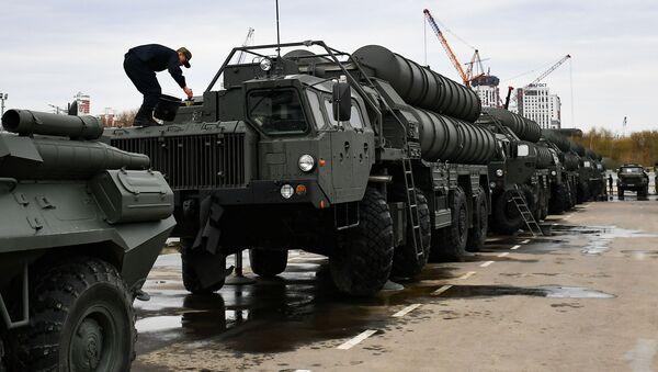 Lansirni protivraketni sistemi S-400 Trijumf - Sputnik Srbija