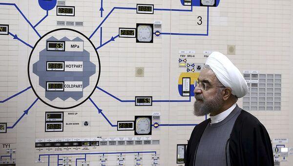 Ирански председник Хасан Рухани у иранској нуклеарној електрани Бушер - Sputnik Србија