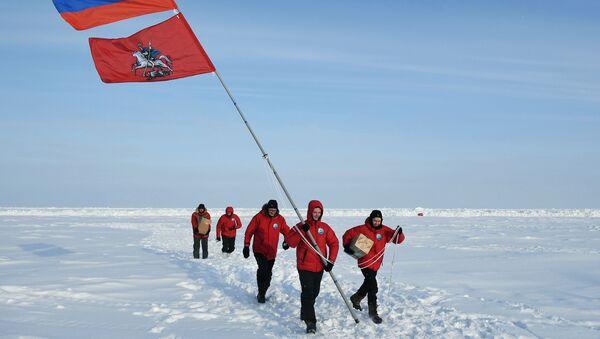 Rusi na Arktiku: Polarna istraživanja nisu više samo naučni poduhvati, jer se sada pomera ka ekonomskom aspektu - Sputnik Srbija