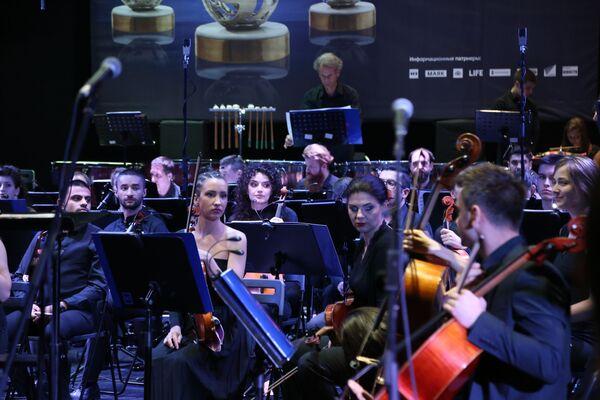 """Фестивал је отворен концертом симфонијског оркестра """"Кустендорф"""" који је извео Берлиозову симфонију """"Харолд у Италији"""" - Sputnik Србија"""