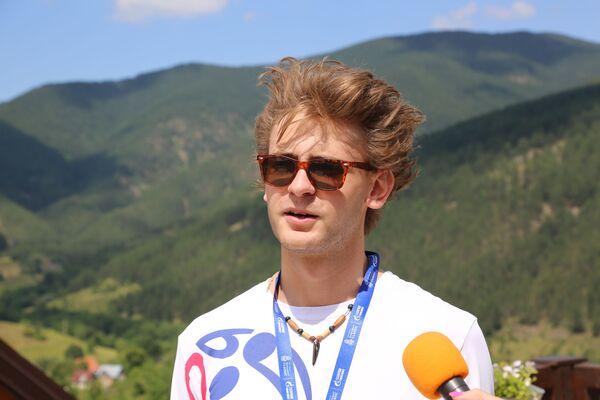 Један од великих талената класичне музике Адем Мехмедовић током фестивала - Sputnik Србија
