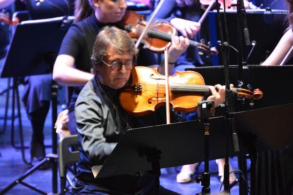 Једна од највећих звезда фестивала је био виолиниста Јуриј Башмет - Sputnik Србија
