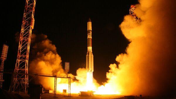 Лансирање ракете-носача Протон М са космодрома Бајконур - Sputnik Србија