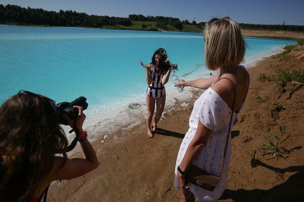 Из термоелектране упозоравају да језеро није безбедно за пливање. - Sputnik Србија