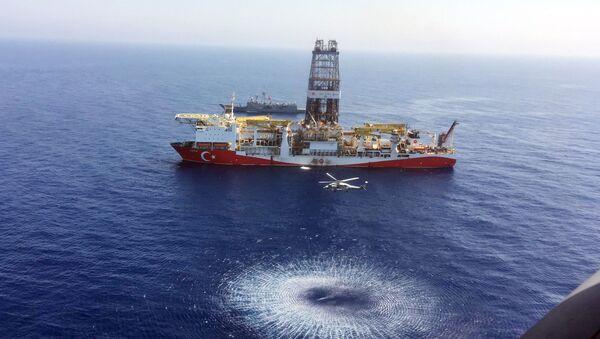 Turski brod Fatih za bušenje u istočnom Mediteranu kod Kipra - Sputnik Srbija