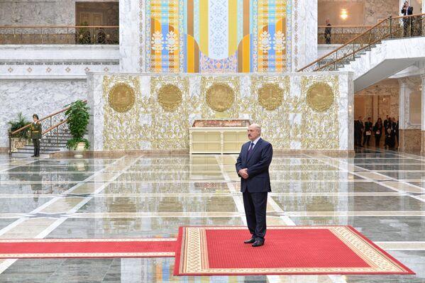 Aleksandar Lukašenko u Dvorcu nezavisnosti u Minsku u februaru 2015. godine. - Sputnik Srbija