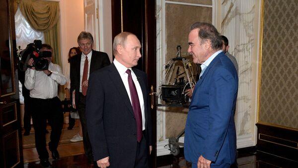 Владимир Путин и Оливер Стоун - Sputnik Србија