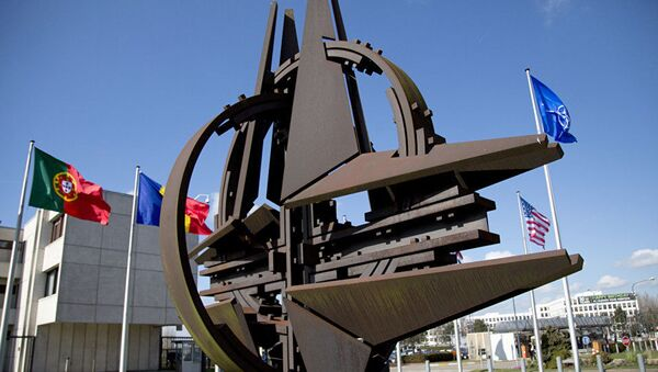 НАТО Православну цркву сматра за непријатеља... - Sputnik Србија
