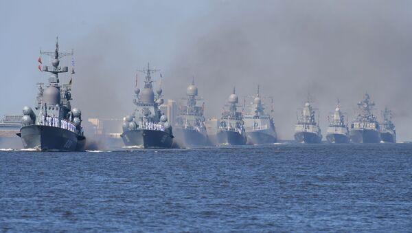 Руски бојни бродови на вежби у Кронштату - Sputnik Србија