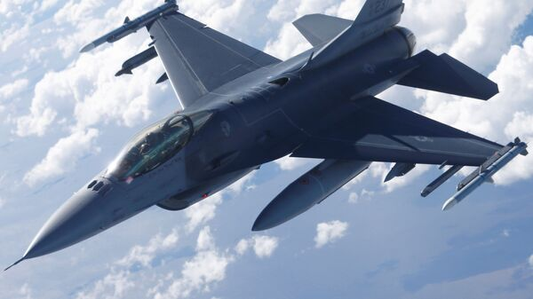 Američki lovac F-16  - Sputnik Srbija