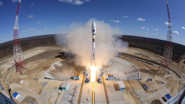 Лансирање ракете-носача Сојуз 2.1а са космодрома Восточни - Sputnik Србија